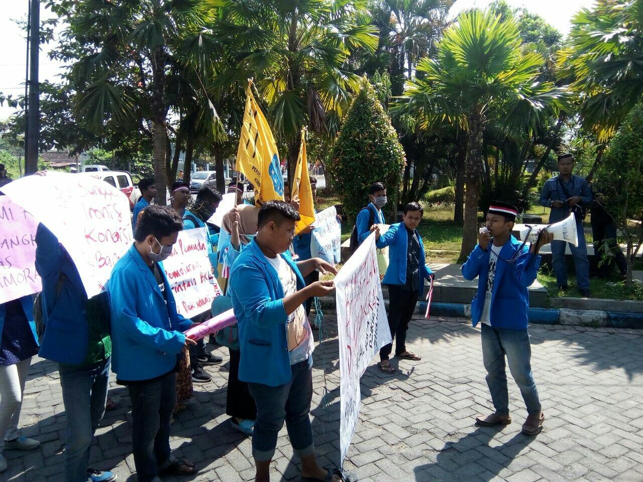 Taman Paseban Madura Newsmedia Pmii Luruk Kantor Bupati Bangkalan Kab