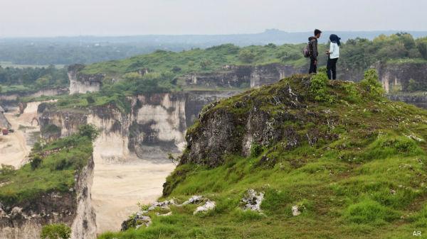 Ngaku Traveler Sejati Mengunjungi 12 Wisata Keren Bukit Jaddih Geger