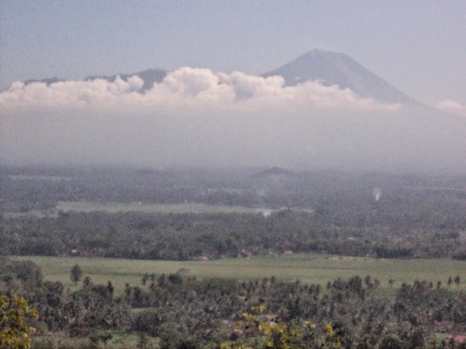 Tempat Wisata Gunung Geger Www Karimatafm Net Sebenarnya Bukit Menjulang
