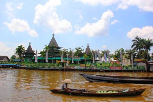 10 Tempat Wisata Religi Banjarmasin Masjid Sultan Suriansyah Kelenteng Soetji