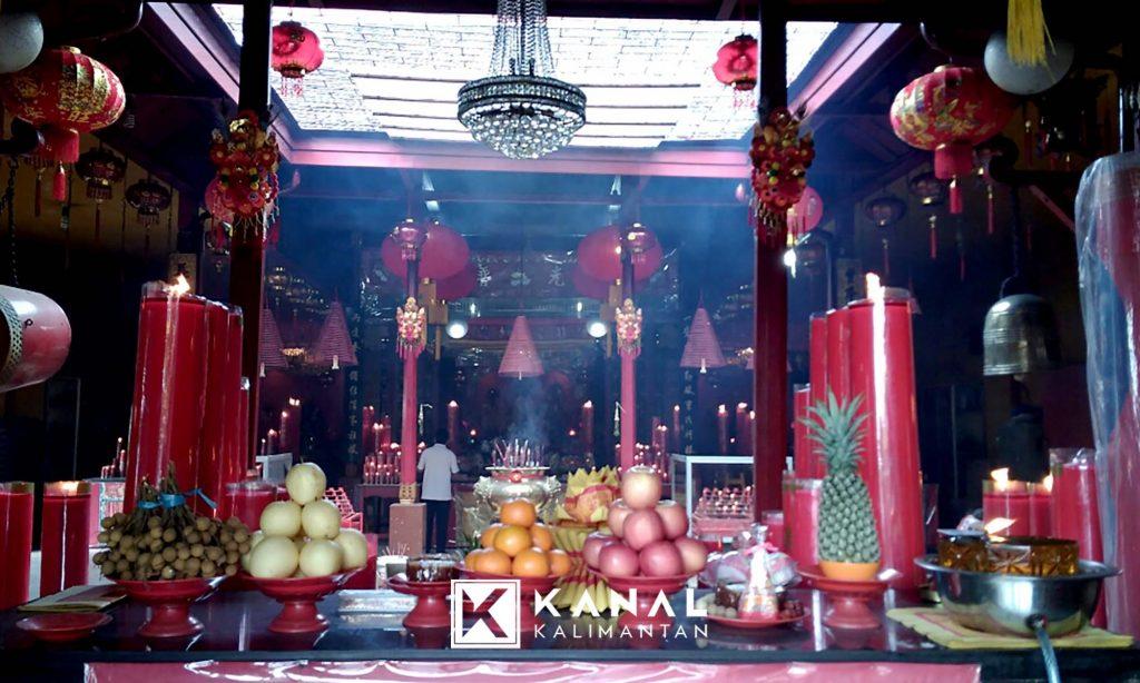 Imlek Menjadi Moment Kebahagiaan Etnis Tionghoa Banjarmasin Jemaat Berdatangan Malam