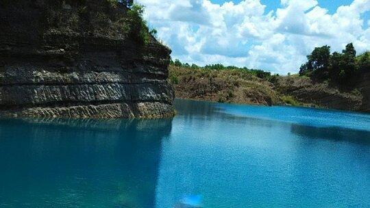 Merasakan Nuansa Danau Biru Pengaron Borneo Travel Tersebut Terletak Desa