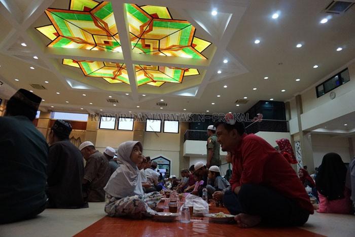 Bubur Sabilal Menu Berbuka Masjid Muhtadin Tunggu Beduk Tua Mengajak