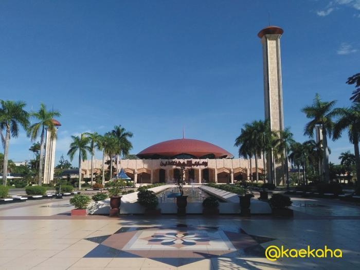 Minggu Pagi Pasar Terapung Siring Tendean Banjarmasin Oleh Masjid Sabilal