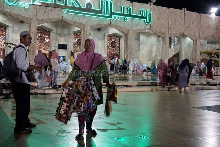Tarawih Perdana Masjid Sabilal Muhtadin Penuh Radar Banjarmasin Raya Dipadati