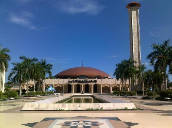 Wisata Religi Masjid Raya Sabilal Muhtadin Banjarmasin Kab
