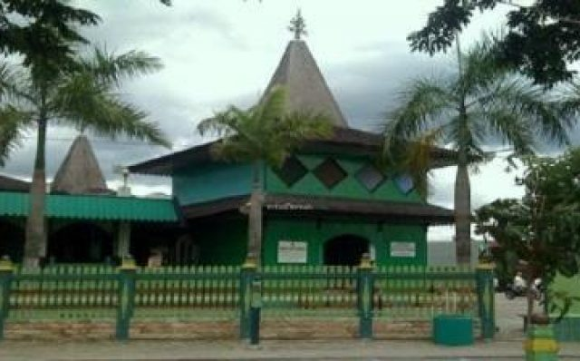 6 Tempat Wisata Banjarmasin Asyik Jadikan Tujuan Masjid Sultan Suriansyah