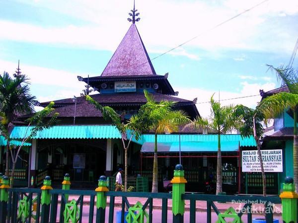 Aneka Masjid Keren Timur Indonesia Sultan Suriansyah Kuin Tertua Kalimantan