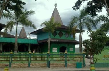 Destinasi Wisata Religi Sejarah 7 Masjid Indonesia Sultan Suriansyah Banjarmasin