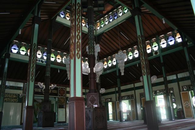 Komunitas 1001 Masjid Mengenal 10 Tertua Indonesia Sultan Suriansyah Khas