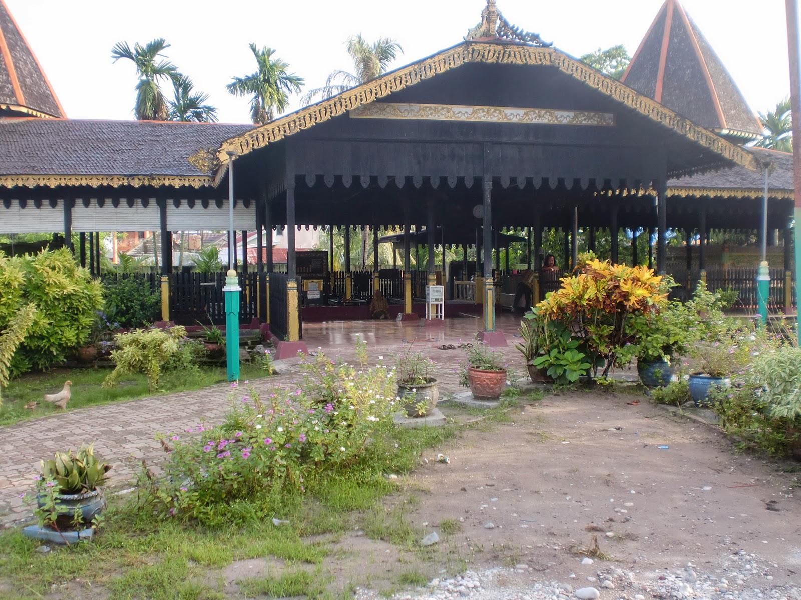 Makam Sultan Suriansyah Balai Pelestarian Cagar Budaya Kalimantan Secara Administratif