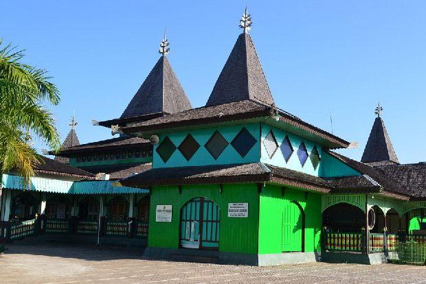 Marquee Mengenal Masjid Tertua Indonesia Sultan Suriansyah Kuin Sebuah Bersejarah