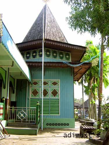 Masjid Sultan Suriansyah Adimust Dinding Bangunan Pendukung Kab Banjarmasin