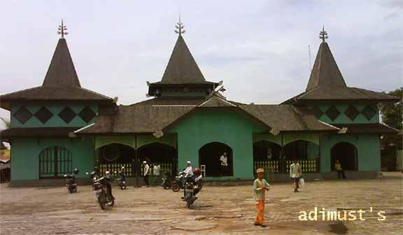 Masjid Sultan Suriansyah Adimust Kab Banjarmasin