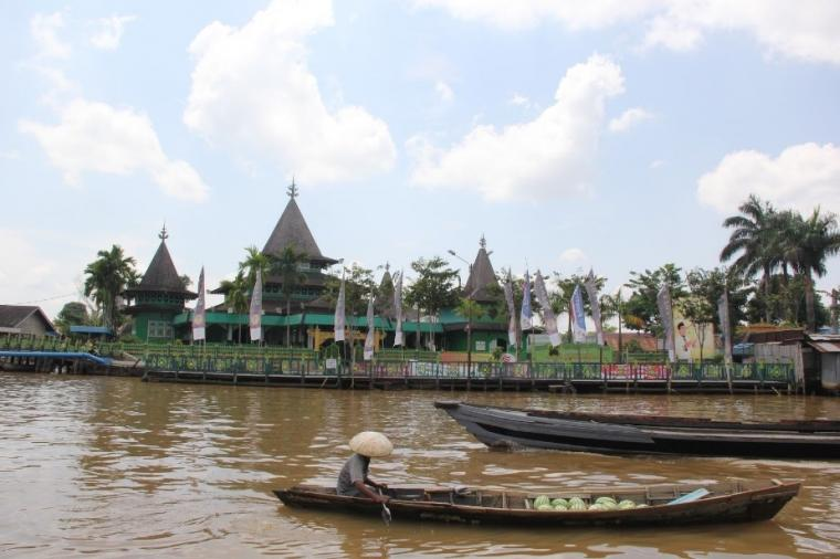 Masjid Unik Kalimantan Selatan Oleh Zulkifli Sultan Suriansyah Kab Banjarmasin