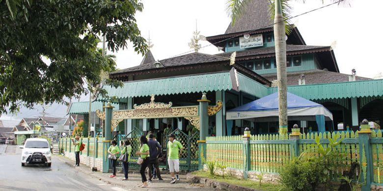 Melancong Banjarmasin Wajib Datangi 6 Tempat Kompas Masjid Sultan Suriansyah