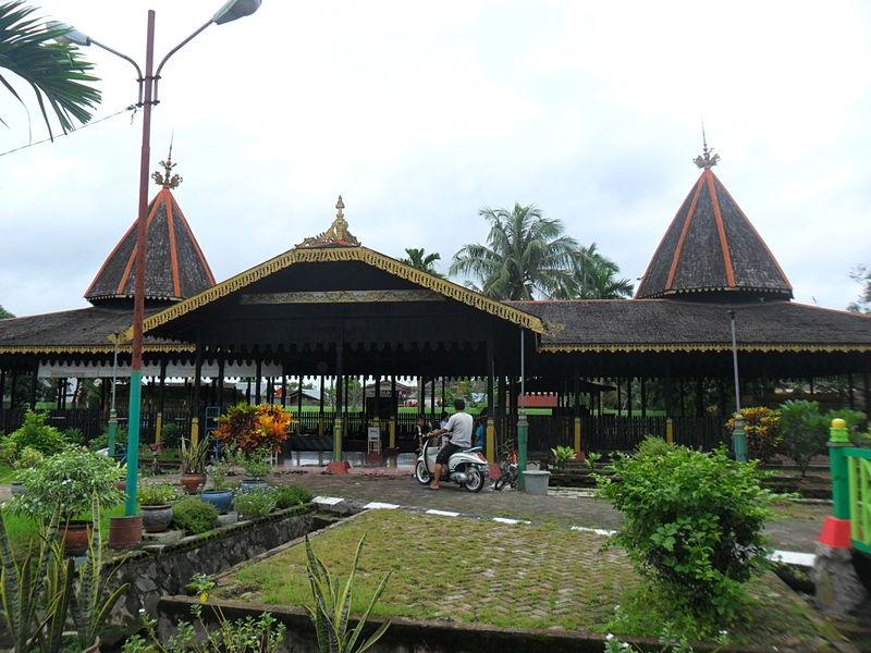Pariwisata Kalimantan Selatan Fakultas Kedokteran Gigi 800px Komplek Makam Sultan
