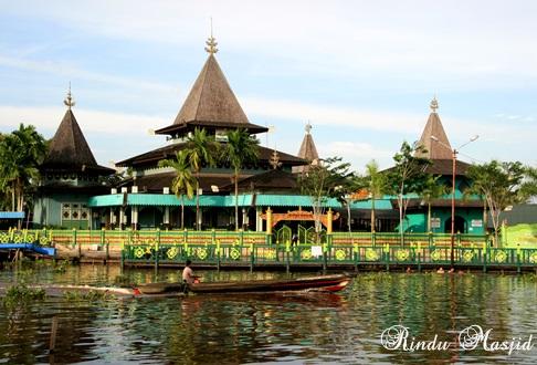 Rindu Masjid Sultan Suriansyah Tertua Kalimantan Selatan Ditepian Sungai Barito