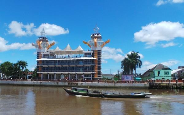3 Hari 2 Malam Menikmati Banjarmasin 3d2n Suharyanto Menara Pandang