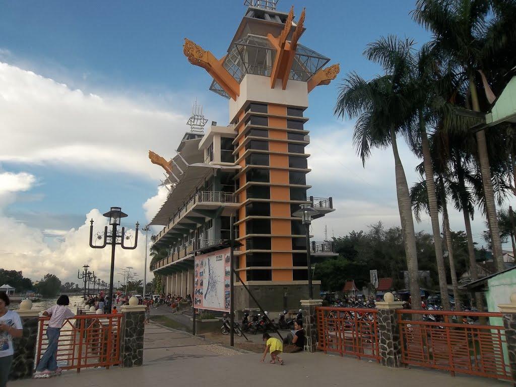 Paket Wisata Banjarmasin 4hari 3malam Pasar Terapung Bamoo Rafting Menara