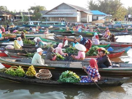 Didi Sadili Pagi Pasar Terapung Lok Baintan Kab Banjar Kalimantan