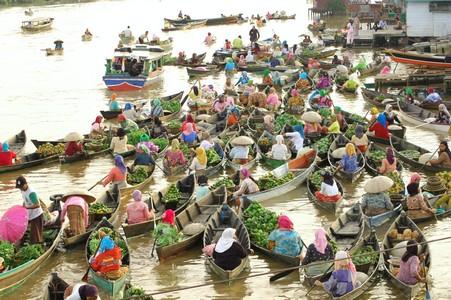 Dinas Kebudayaan Pariwisata Kabupaten Banjar Pasar Terapung Lok Baintan Satu