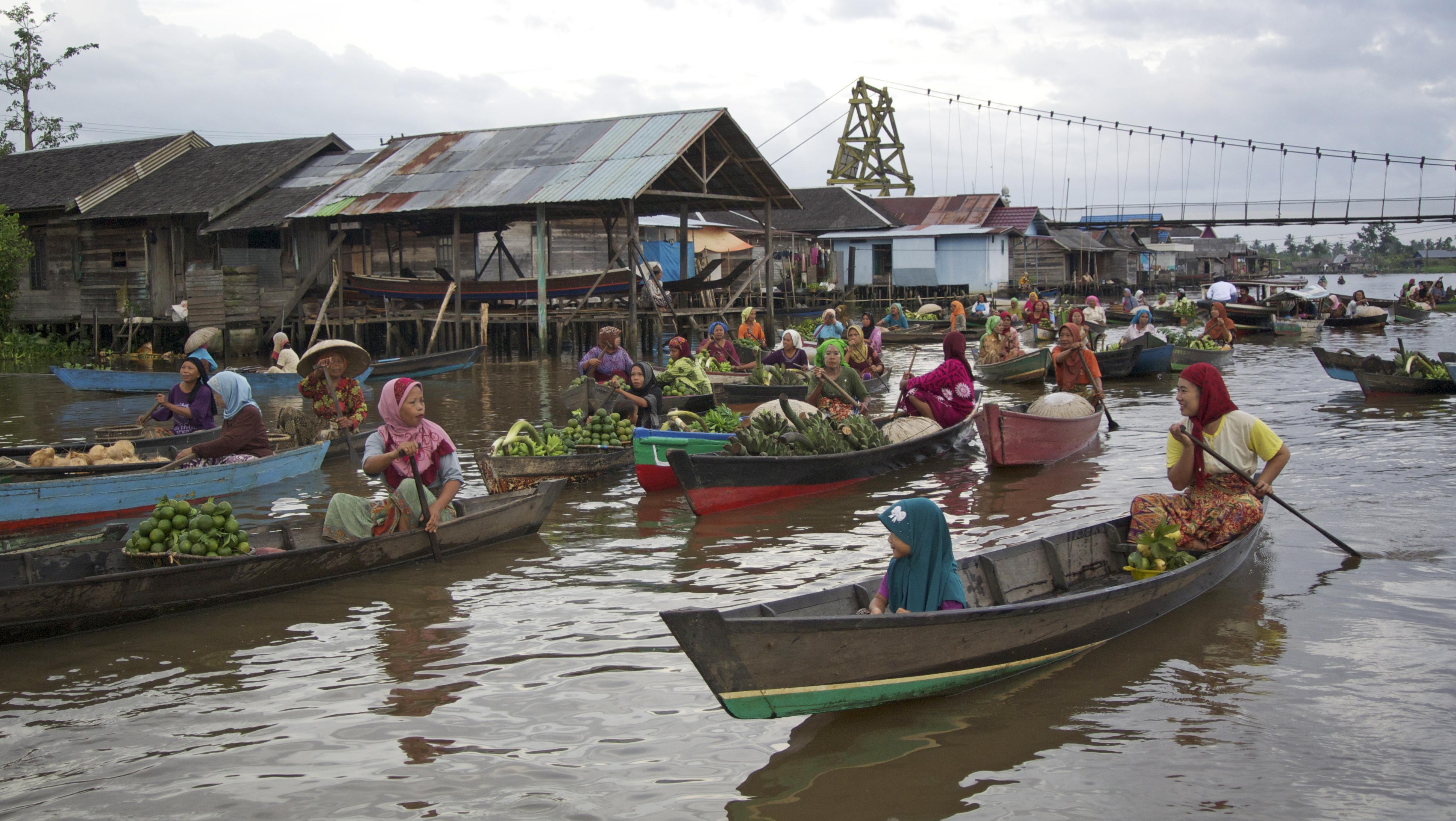 File Pasar Terapung Lok Baintan Jembatan Jpg Wikimedia Commons Kab