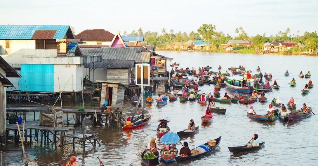 Melihat Aktivitas Pagi Hari Pasar Terapung Lok Baintan Kalimantan Selatan