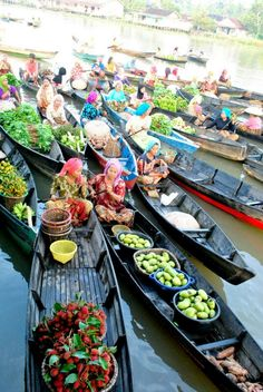 Muara Kuin Floating Market South Kalimantan Borneo Indonesia Lok Baintan
