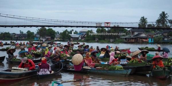Pasar Terapung Lok Baintan Obyek Wisata Indonesia Tourism Paddling Peddlers
