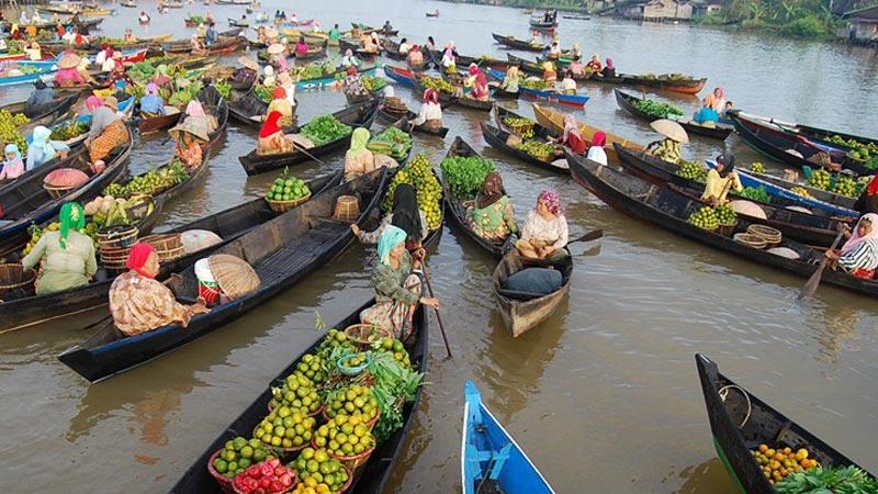 Saatnya Mengeksplorasi Keunikan Kalimantan Selatan Nusantara Kaya Pasar Terapung Banjarmasin