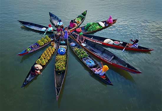 Selamat Datang Blog Menyaksikan Pesona Keunikan Floating Market Lok Baintan