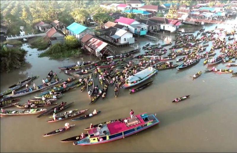 Warga Desa World Pasar Terapung Lok Baintan Kearifan Lokal Biasanya