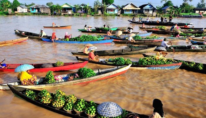 5 Fakta Pasar Terapung Banjarmasin Nggak Kalah Thailand Previous Bicara