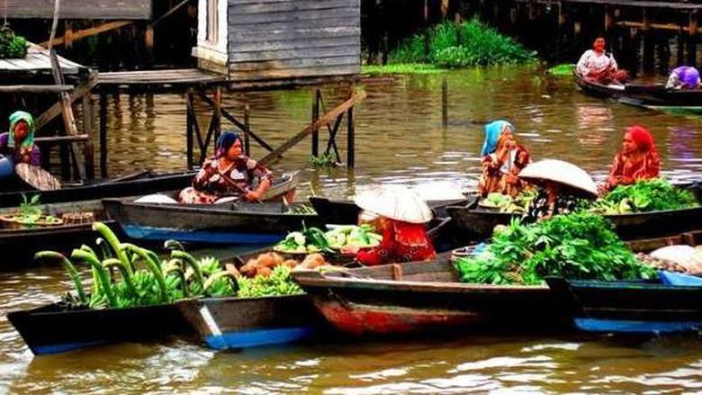 Asyik Festival Budaya Terapung Banjarmasin Akhir Pekan Foto Pasar Terkenal