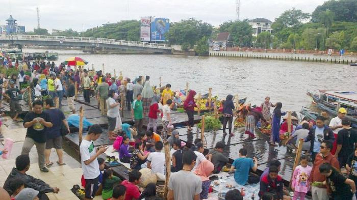 Cantik Lho Pasang Jilbabnya Banjarmasin Post Festival Budaya Pasar Terapung