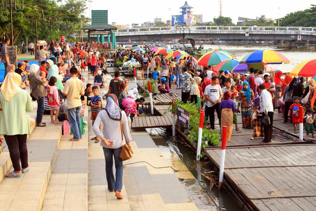 Hal Seru Bisa Kamu Lakukan Sungai Banjarmasin Pasar Terapung Siring
