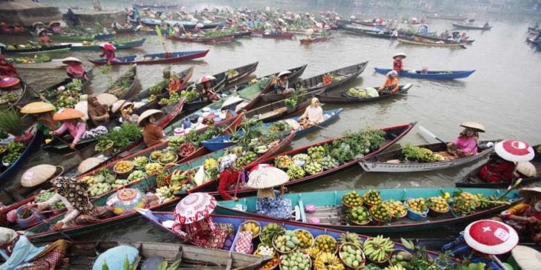 Kalsel Tarik Wisatawan Melalui Festival Pasar Terapung Kompas Berita Terkait