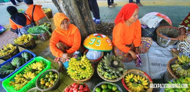 Ketika Pasar Terapung Pindah Siring Piere Tandean Backpacker Borneo Darat