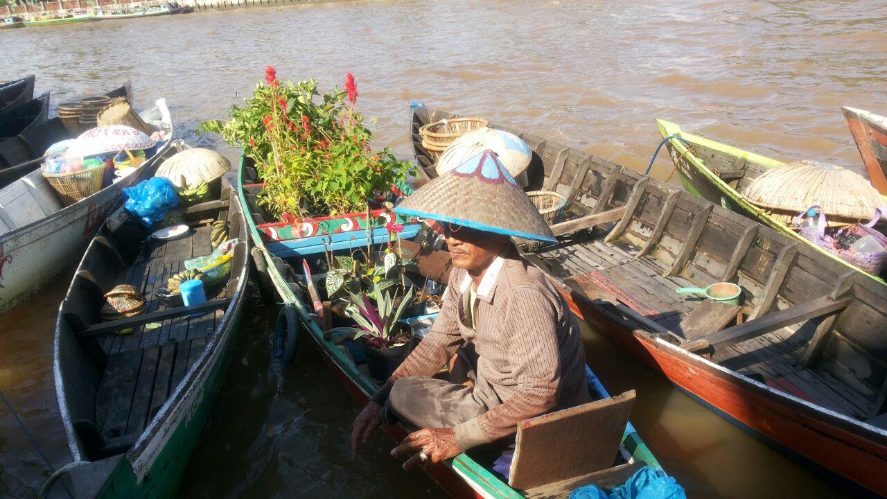 Menikmati Wisata Susur Sungai Banjarmasin Travelklik Pasar Terapung Siring Tandean