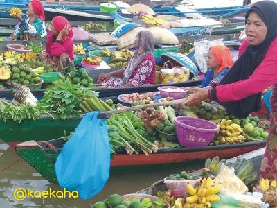 Minggu Pagi Pasar Terapung Siring Tendean Banjarmasin Oleh Kab