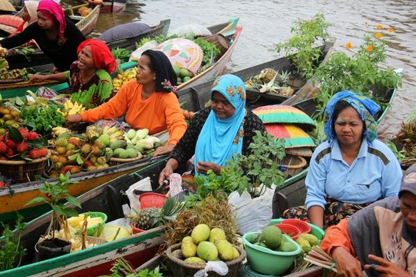 Pasar Terapung Siring Sungai Martapura Wisata Banjarmasin Kab
