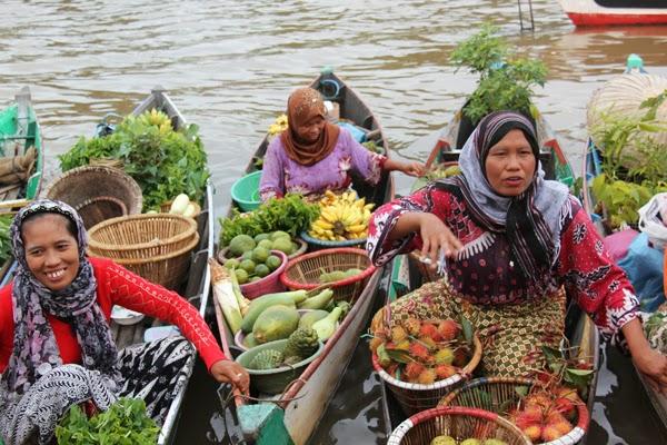Pasar Terapung Siring Sungai Martapura Wisata Banjarmasin Minggu Kemarin Ulun