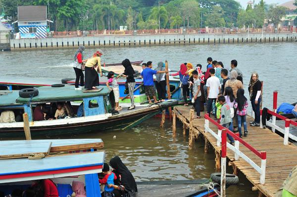 Ribuan Pengunjung Siring Pierre Tendean Dikenai Nanti Pakai Karcis Keramaian