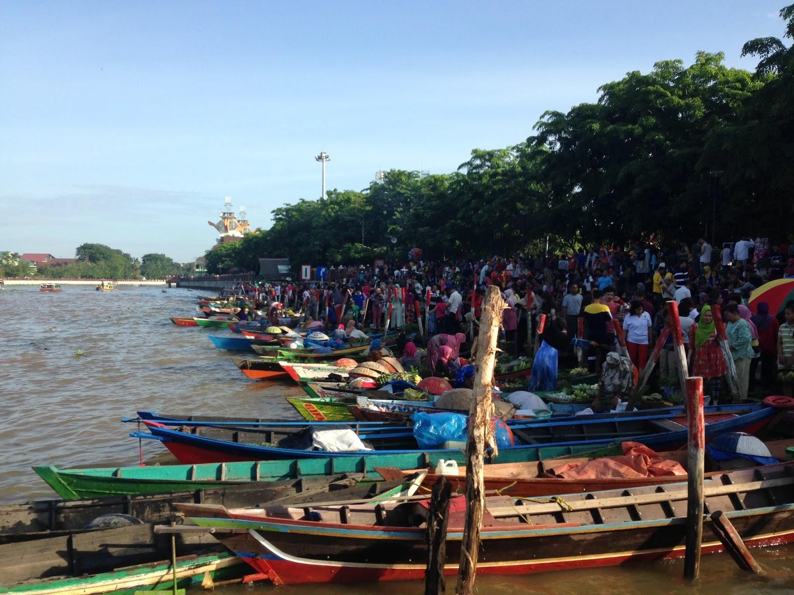 Turfa Keunikan Pasar Terapung Siring Piere Tendean Deretan Pedagang Kab