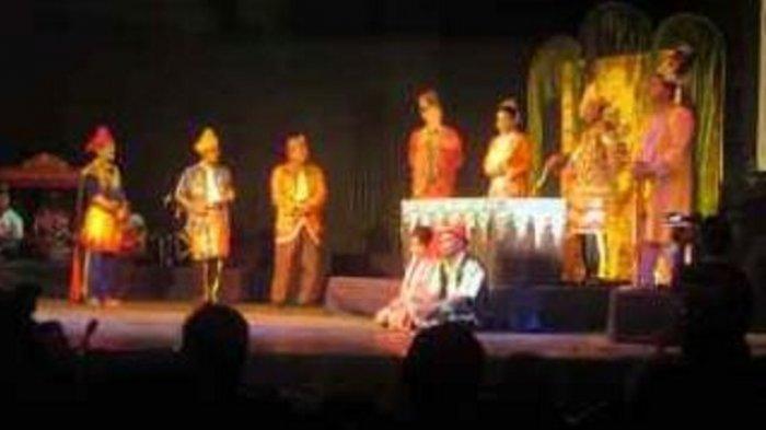 Bagaimana Kehebohan Tujuh Teater Banua Tampil Bersama Saksikan Taman Budaya