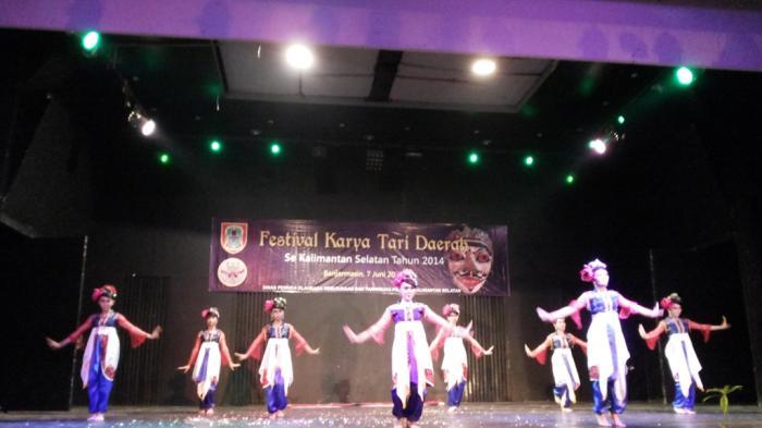 Festival Karya Tari Daerah Se Kalsel 2014 Diikuti 13 Peserta