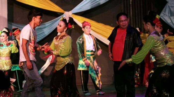 Jhon Tralala Hibur Hut Kabupaten Paser Bersama Wali Banjarmasin Post
