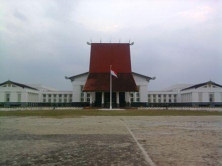 Kalimantan Selatan Wikiwand Bangunan Kantor Gubernur Motif Rumah Banjar Bubungan