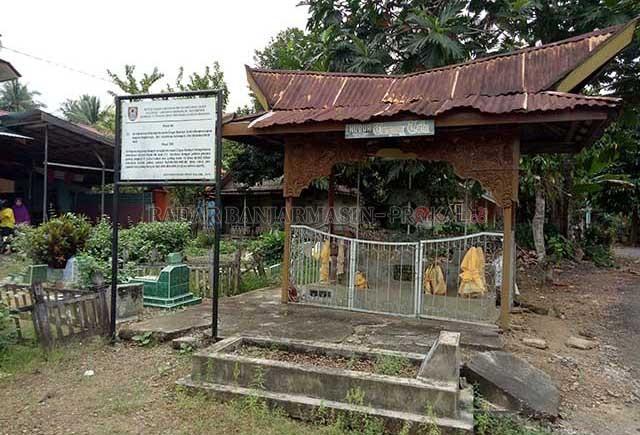 Penjelasan Kemendikbud Soal Penghapusan Tiga Cagar Budaya Plang Makam Tumpang